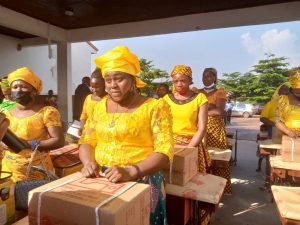 EndSARS Protest : IGP's Wife Empowers Over 50 Police Widows In Anambra